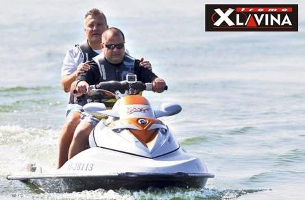 Karvai Sanyi vakon jet-ski-zett